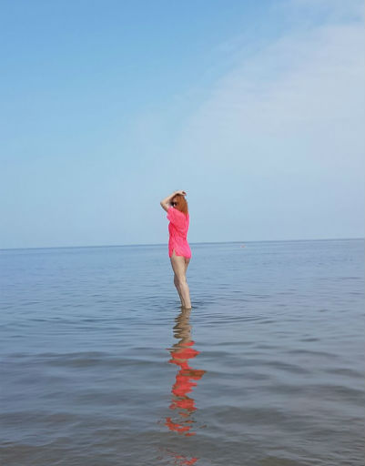Нина Курпякова наслаждалась прогулками у моря