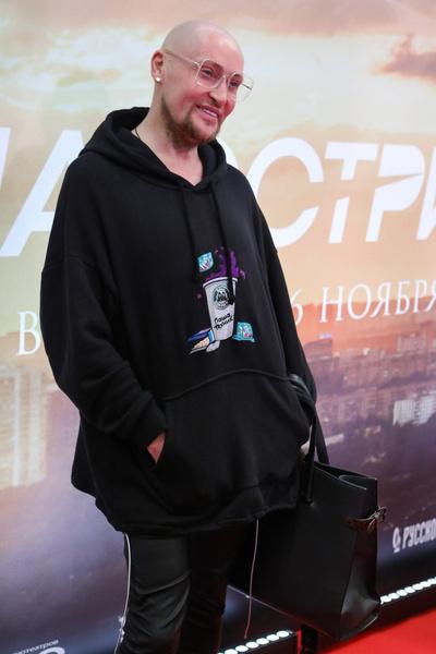 Ходченкова в нежном шифоне, худой Шура и Водонаева со шпагой. Премьера фильма «На острие»