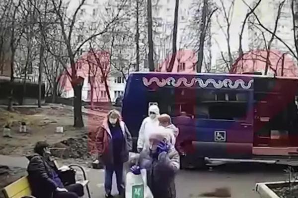 Елену Чуклову оставили на улице