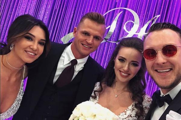 Александр с невестой присутствовали на свадьбе Тарасова и Костенко