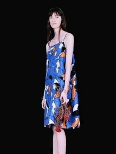 Модель в платье от Finery London