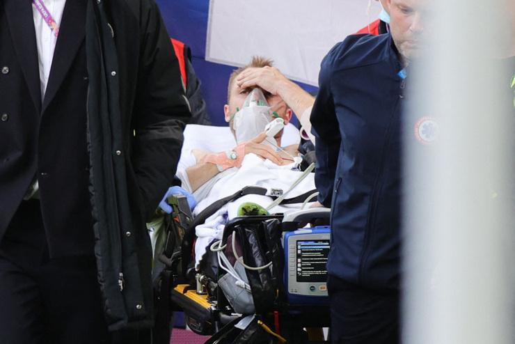 Это фото облетело все мировые СМИ и внушает надежду, что с Кристианом все будет хорошо