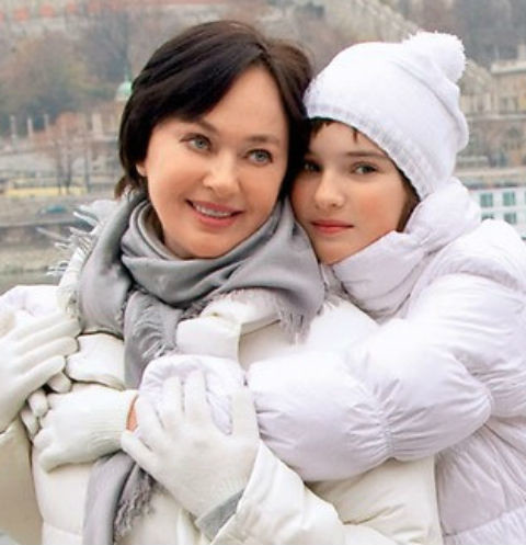 Лариса Гузеева с дочерью Лелей