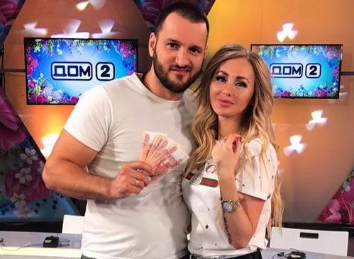 Супруга Алексея Самсонова намекнула на разрыв с ним