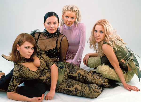 В составе группы «Блестящие» Ковальчук выступала шесть лет и четыре месяца