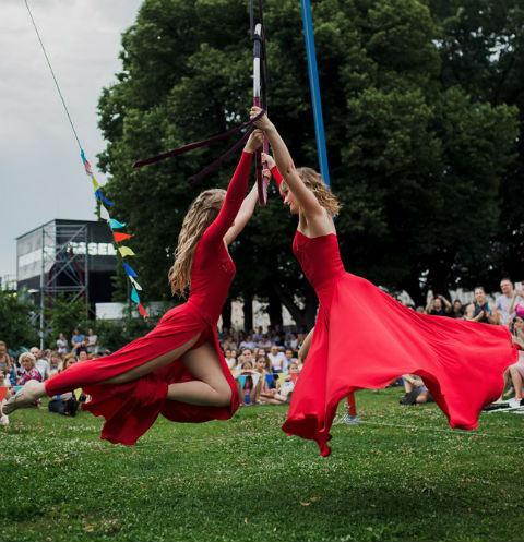 Стиль жизни: Третий Фестиваль воздушной гимнастики – фото №1