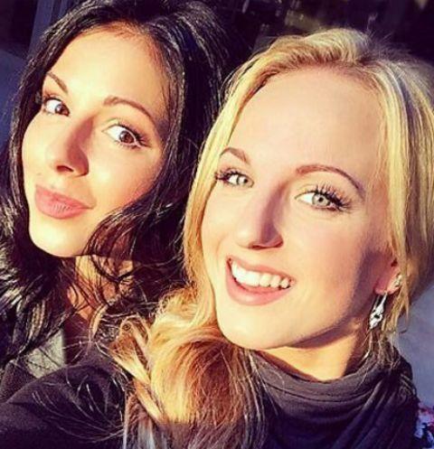 Нюша с сестрой Марией Шурочкиной