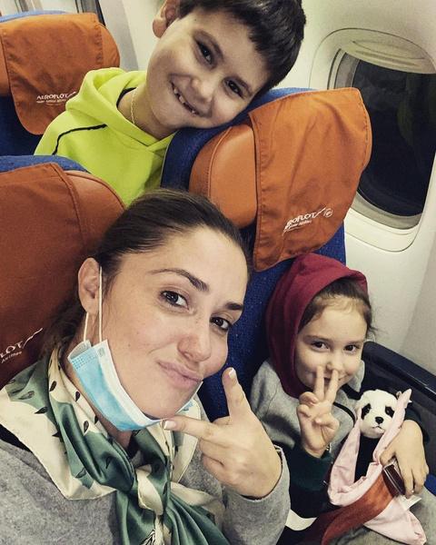 Актриса часто показывает детей публике