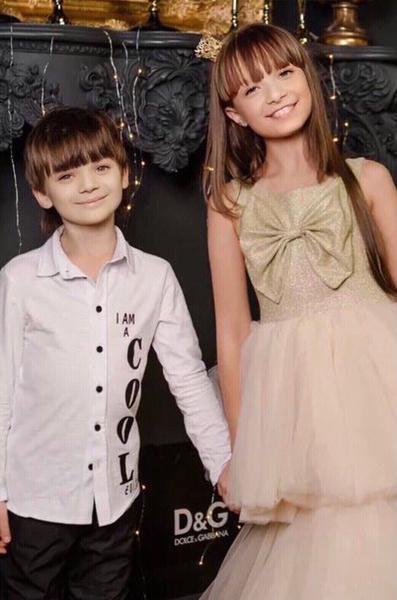 Аня и Миша — младшие дети Леонова