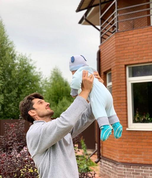 Вахтанг наслаждается отцовством