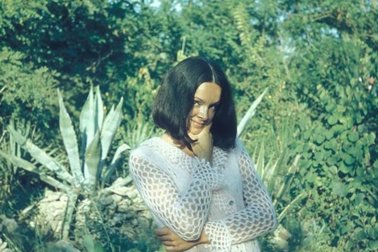 Первой супругой актера стала Алена Изоргина