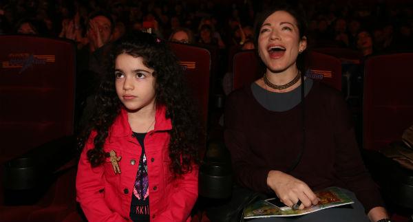 Поддержать артиста пришли Алена Хмельницкая с дочкой