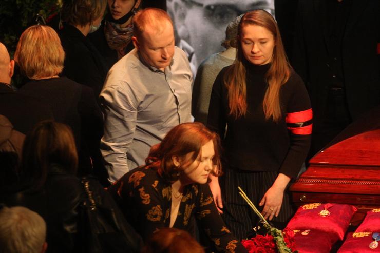 Сын Николая Караченцова Андрей и его супруга называли Фурманова «дядя Рудик»