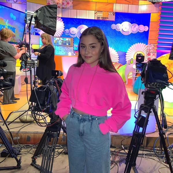 Скандал на «Голос.Дети» и травля. Цена популярности дочки Алсу Микеллы Абрамовой