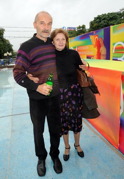 Жена Петра Мамонова Ольга молится о выздоровлении мужа