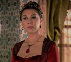 Слишком гордая Валиде Султан. Почему звезда «Великолепного века» Небахат Чехре ушла из кино?