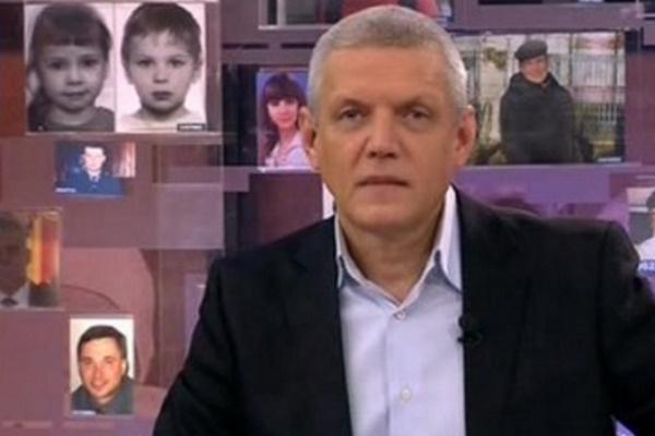 С 21 ноября 2014 года Александр Галибин вел «Жди меня»