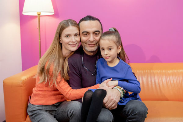 Поклонники пришли к выводу, что маленькая Полина больше похожа на отца