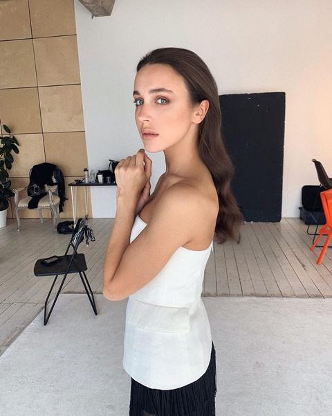 Мария начала карьеру модели после победы на региональном конкурсе красоты