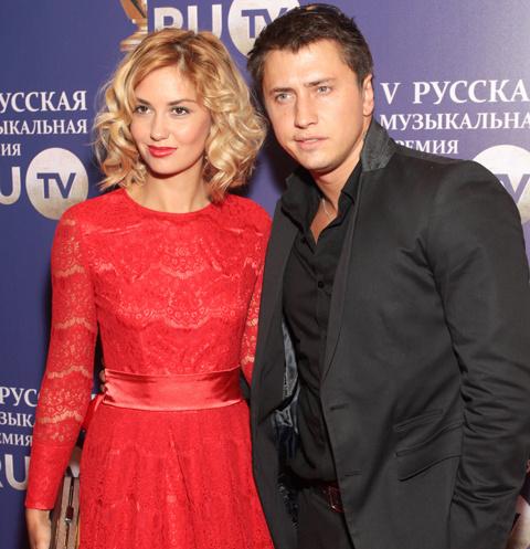 Агата Муцениеце и Павел Прилучный