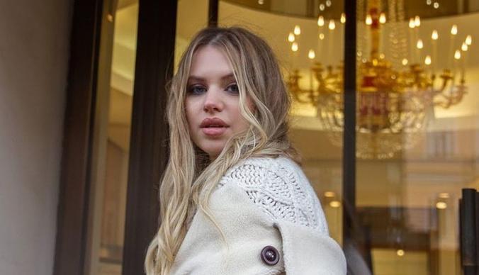 Саша Артемова: «Мне попадались фотографии Ефременковой, где она с голыми сиськами»