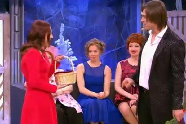 Прохор отведал пирожок, который привезла невеста