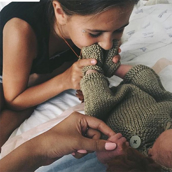 Саша Зверева наслаждается материнством