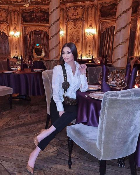 Обольстительница-одиночка или рублевская жена: стиль Евгении Феофилактовой