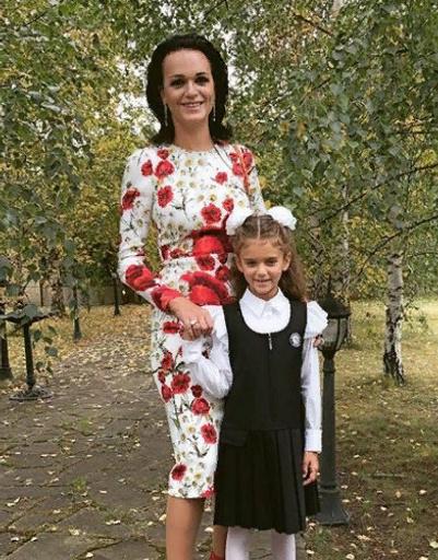 Певица Слава с младшей дочерью