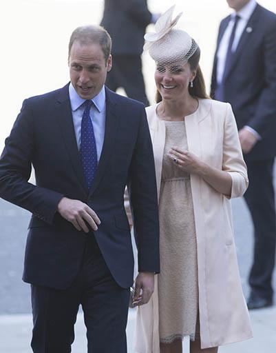 2 июня. Принц Уильям и Кейт Миддлтон приехали в Вестминстерское аббатство, чтобы отметить 60-летие коронации Елизаветы II