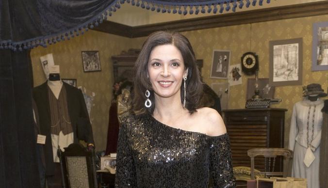Лидия Вележева: «Стюардесса предложила мне бокал вина, я согласилась»