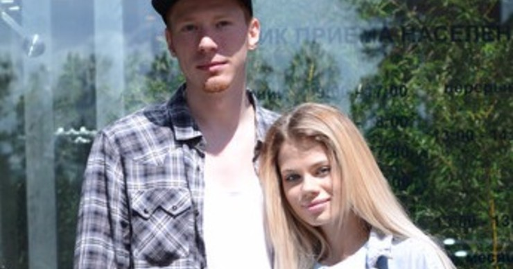 Никита Пресняков с невестой подали заявление в загс. ФОТО