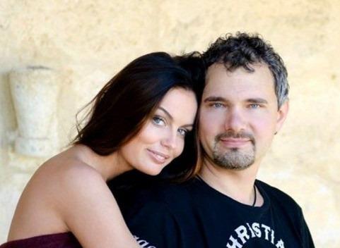 Осужденный за убийство жены-модели фотограф хочет заполучить у ее родителей 2 миллиона рублей