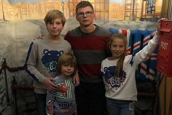 Недавно Андрей Аршавин взял детей на квест