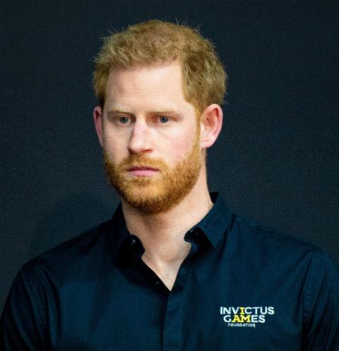 Подогрели слухи о ссоре: королевская семья сухо поздравила принца Гарри с днем рождения