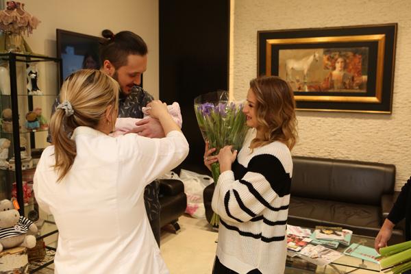 Родители поблагодарили врачей клиники