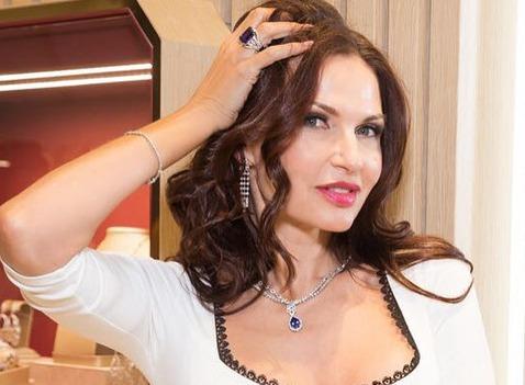 Эвелина Бледанс рассказала, с кем вступает в интимную связь