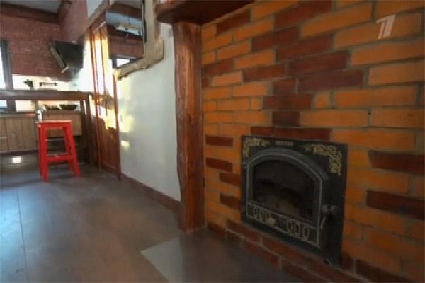 В ремонте использованы элементы стиля лофт, которые уже присутствовали в помещении
