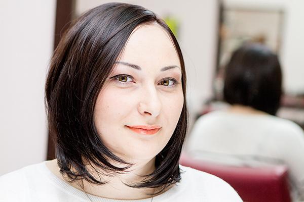 Дневной макияж очень освежает в первую очередь за счет помады необычного оттенка
