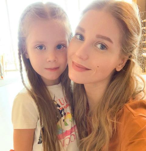 Кристина Асмус с дочкой Настей