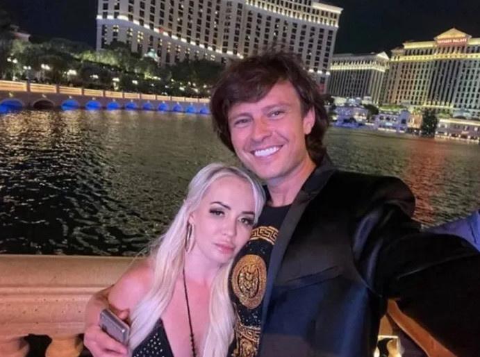 Прохор и Татьяна поженились в конце июля, через несколько дней блондинка заболела