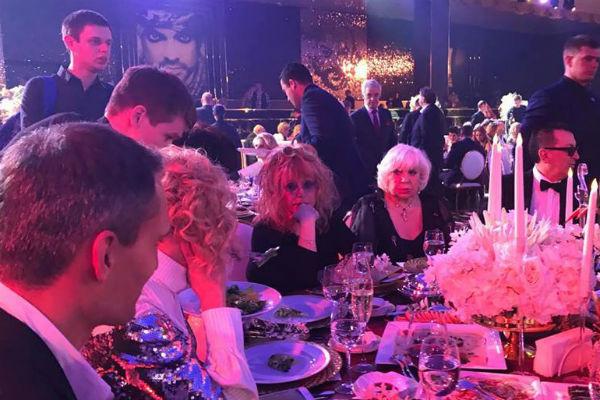 Алла Борисовна не смогла пропустить юбилей близкого друга