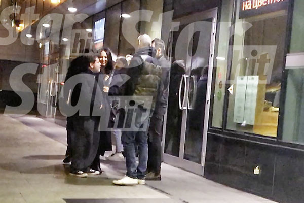 Александр и его спутница покинули ресторан вместе
