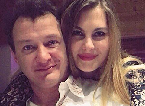 Жена Марата Башарова подала заявление в суд на развод