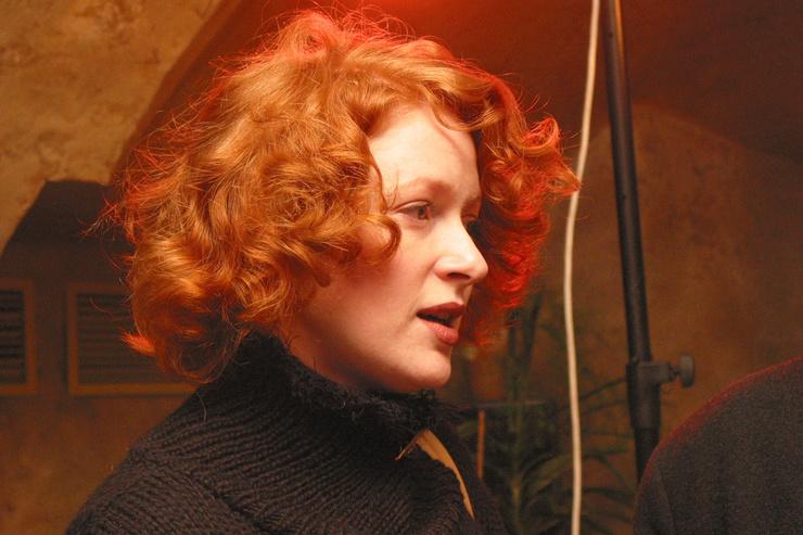 Актриса выделялась среди студентов необычным цветом волос