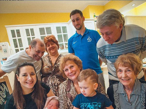 Валентина Яшина в кругу семьи