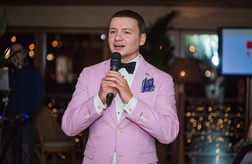 Александр Олешко на презентации своих альбомов