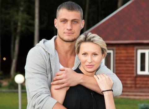Александр Задойнов помирился с Элиной Камирен и увиделся с дочерью