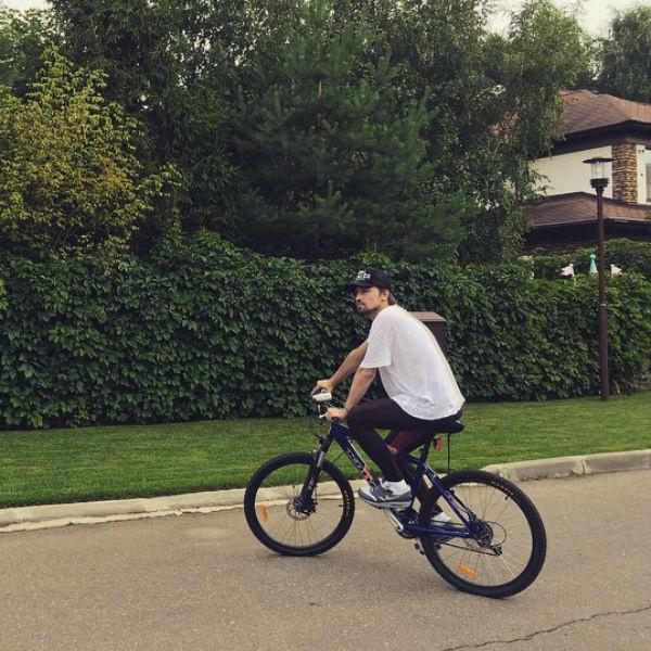 Новости: Дима Билан рассказал правду об ограблении дома – фото №2
