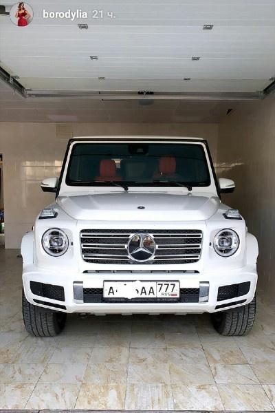 Ксения Бородина купила новую машину